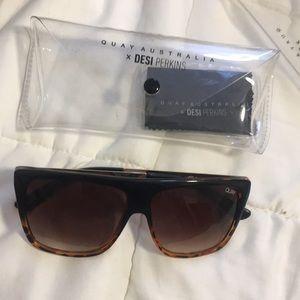 QUAYXDESI OTL sunglasses in taupe BRAND NEW